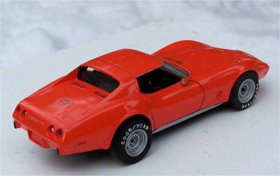 MPC 1975 Chevrolet Corvette Stingray 350ci