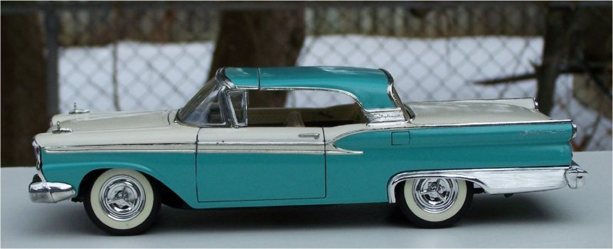 Revell 1959 Ford Skyliner