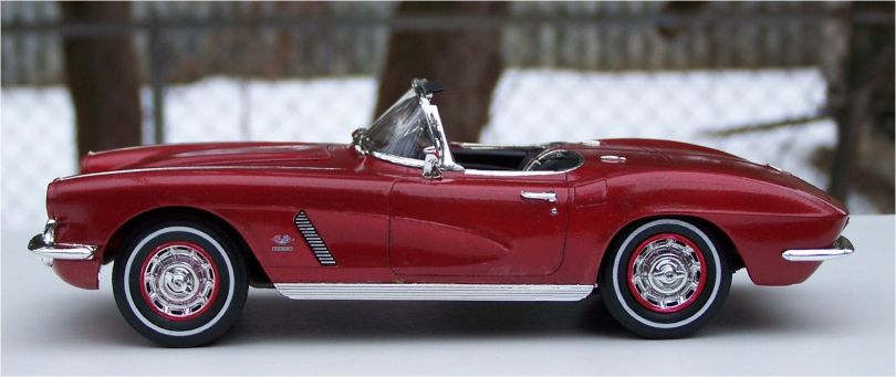 Revell 1962 Chevrolet Corvette 327ci Fuel Injected