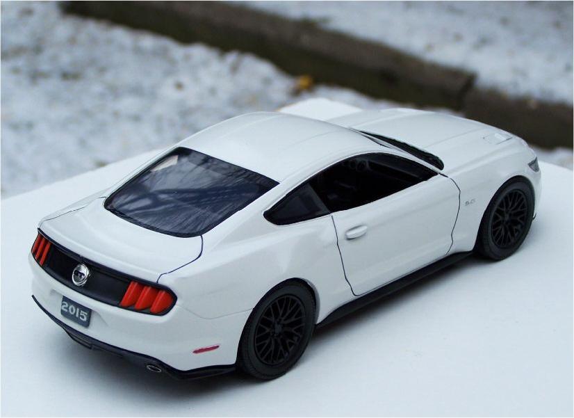 Revell 2015 Ford Mustang Gt 5 0 Litre